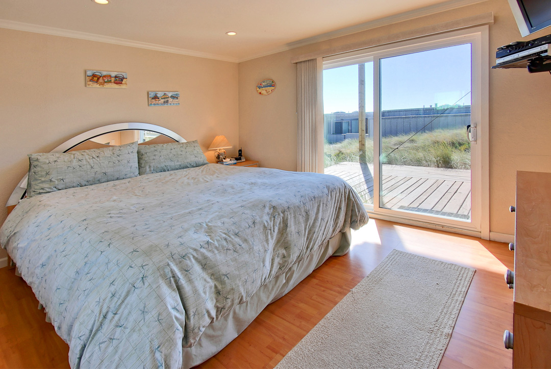 Contemporary Tourist Accommodation in Pajaro Dunes